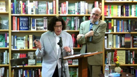 Fran Lebowitz in bookstore