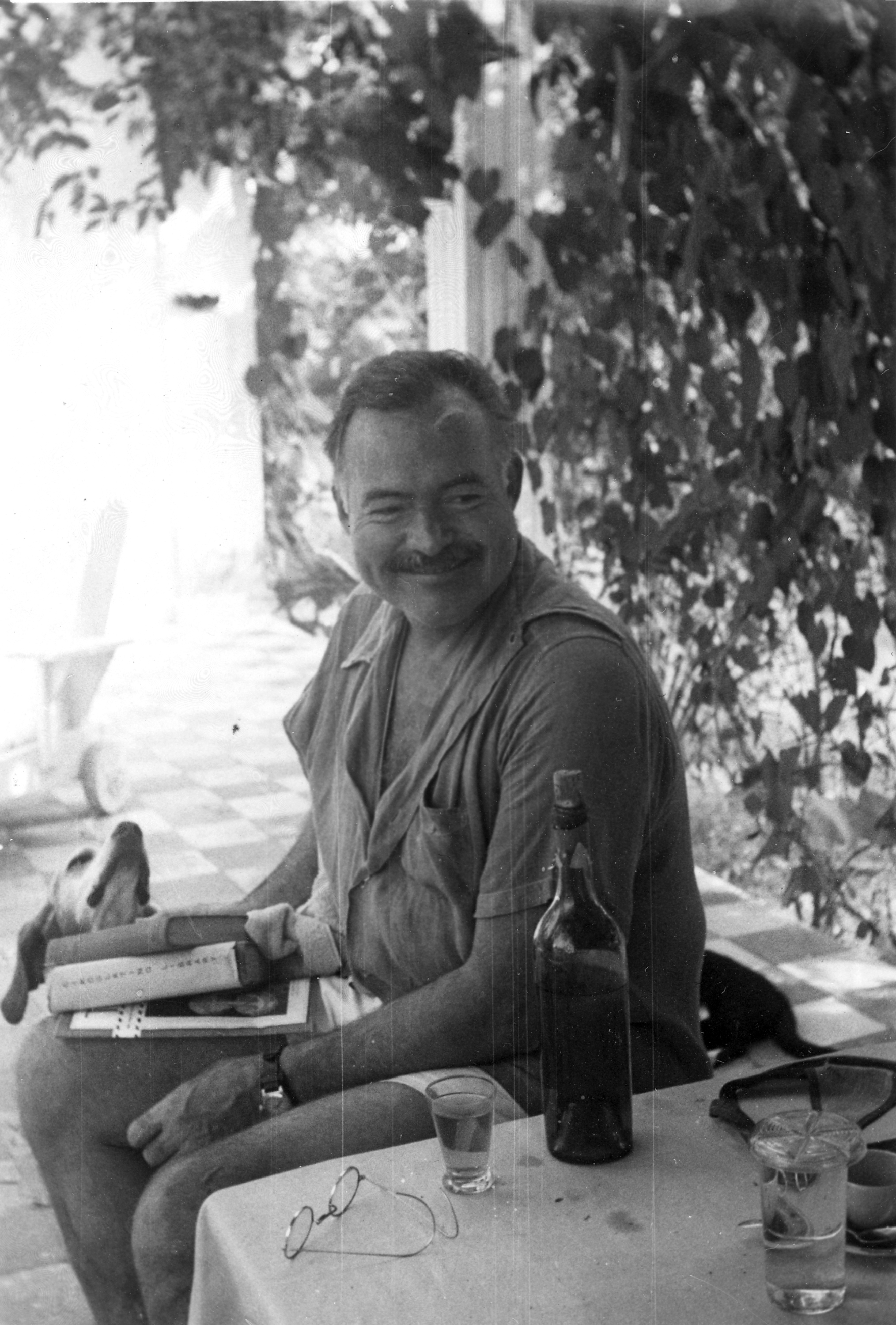 how hemingways life affected his writing How would people describe hemingway's writing style  makes hollow places in his writing—ernest hemingway in  effects on his life on july 2, 1961, hemingway.